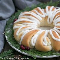 Cream Cheese Tea Roll | An easy brunch treat that's certain to be a hit!