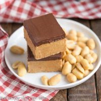 Better Than Reese's Peanut Butter Bars | Easy No-Bake Bars that provide your Reese's fix!!!