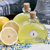 Limoncello | An exquisite Italian lemon liqueur you can make at home