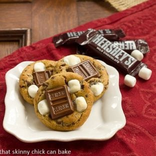 S'mookies | All the amazing flavors of s'mores in gooey, chewy cookies