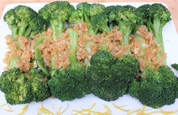 Garlicky Crumb-Coated Broccoli