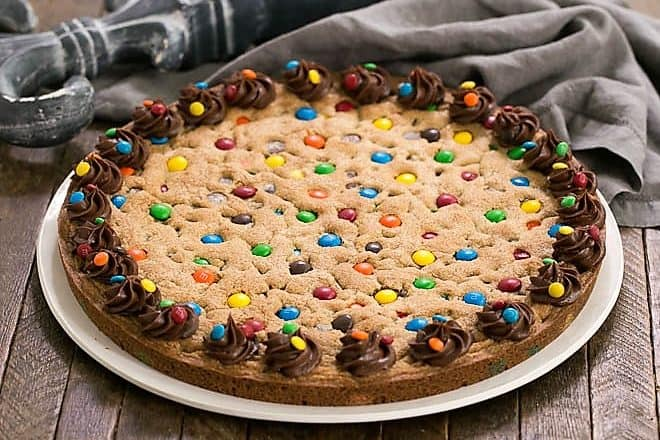 Chocolate Chip cookie cake featured image