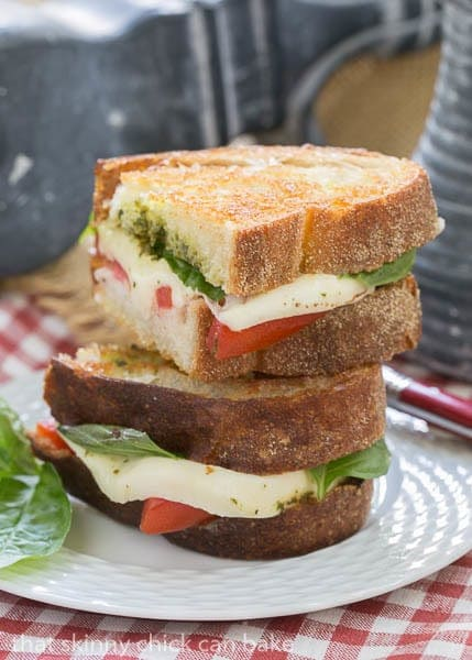 Caprese Grilled Cheese | A genius grilled cheese based on the scrumptious Caprese salad