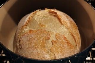 No Knead Bread in a Dutch Oven