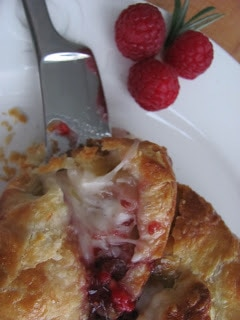 How To Cook Brie With Raspberry Jam