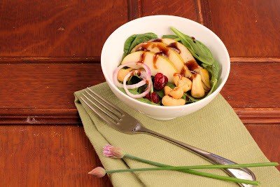 Spinach Salad with Pears, Cranberries and Cashews~ - That ...