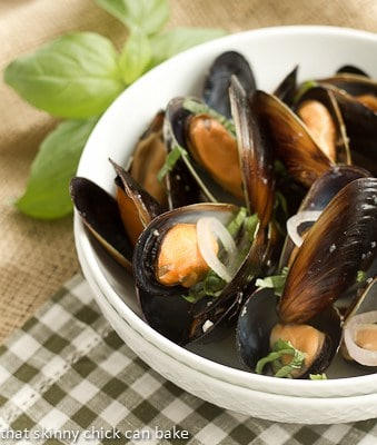 Sake Steamed Mussels #SundaySupper #SteamyKitchen #Giveaway