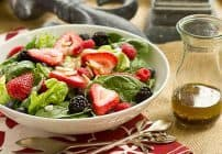 Spinach Almond and Berries Salad #TheSaladBar