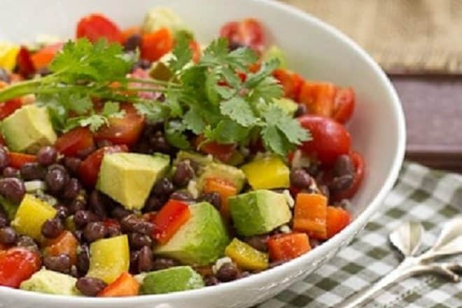 Guacamole Salad - all the fabulous flavors of guacamole in a chunky salad!