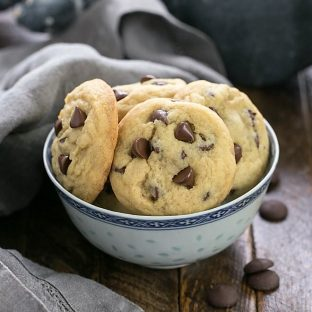 Soft Chocolate Chip Pudding Cookies in a blue and white ceramic bowl
