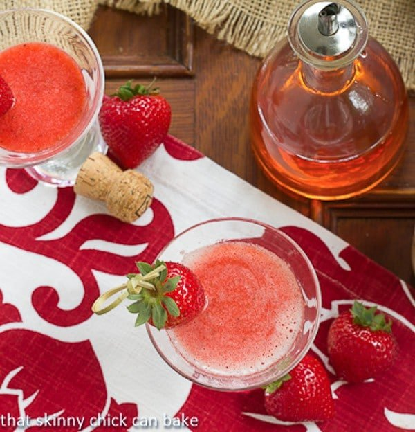 Strawberry Bellinis | A berry twist on the Italian classic!!
