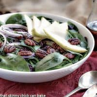 Spinach Salad with Pears, Cranberries and Candied Pecans | Fabulous fall flavors in every bite of this tasty salad!