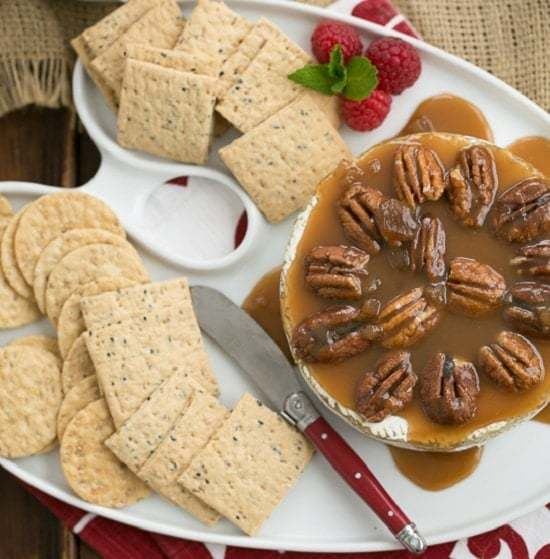 Baked_Camembert_with_Caramel_and_Pecans