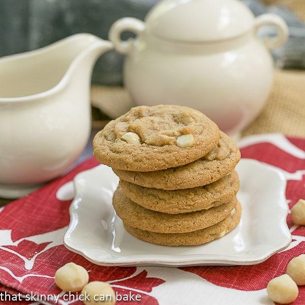 Sue 39 s oatmeal macadamia nut cookies for White chocolate macadamia nut cookies recipe paula deen