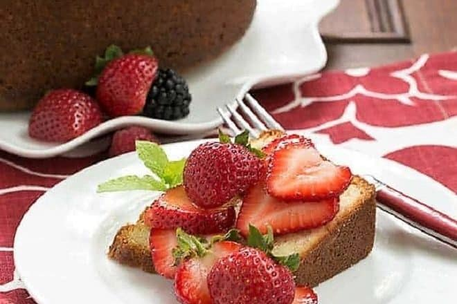 Vanilla Pound Cake featured image