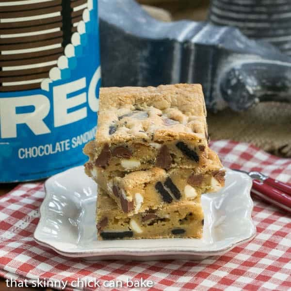 Oreo Chocolate Chip Bars - easy bar cookies chock full of chocolate chips and Oreo chunks