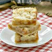 Caramel Butter Bars - shortbread crust, gooey caramel and streusel!