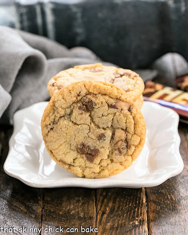 Toffee Cookies on a square white dessert plate