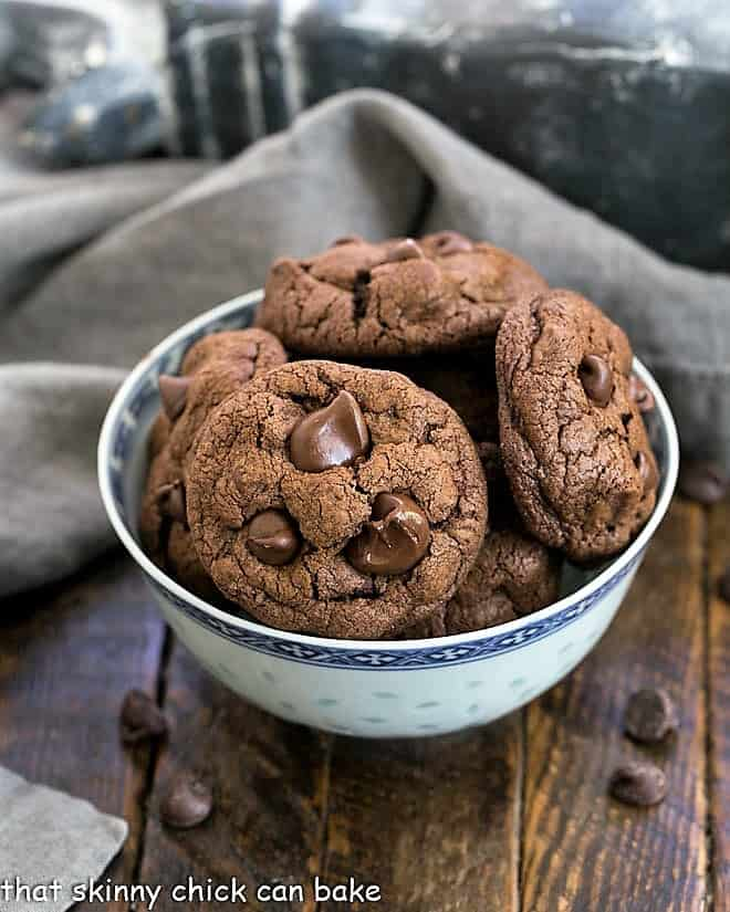Double Chocolate Chunk Cookies in an Asian blue bowl