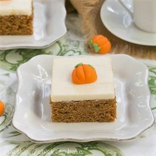 Killer Pumpkin Bars with Cream Cheese Frosting - Guaranteed the BEST Pumpkin Bars you'll ever taste! #pumpkin #dessert #pumpkinbars