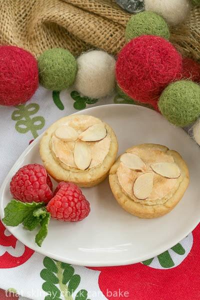 Almond Raspberry Tartlets (3)