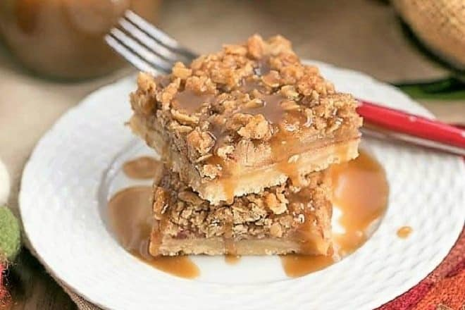Apple Streusel Bars - All the flavors of apple pie with half the effort!