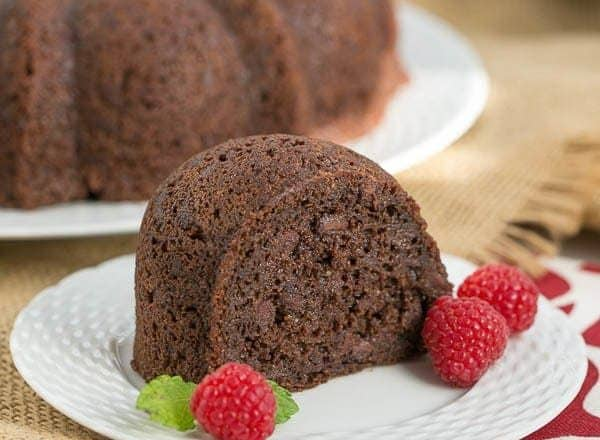Kahlua Bundt Cake | A super easy, decadent chocolate cake !