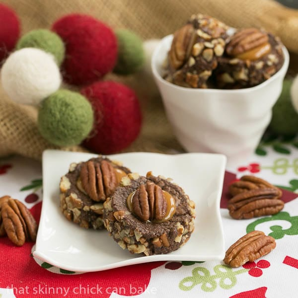 Turtle Thumbprints - Perfect cookies for lovers of chocolate, caramel and pecans!