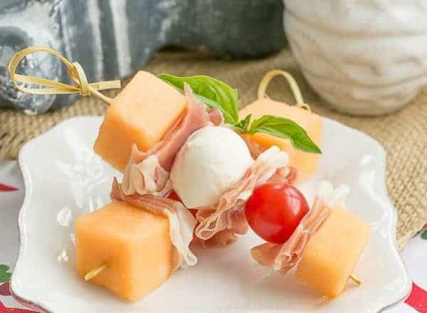 Melon and Prosciutto Skewers | Easy appetizer with the taste of Italy