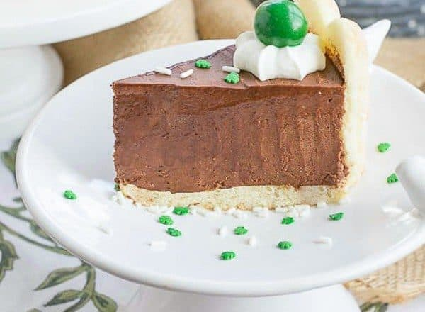 This Irish Chocolate Mousse Cake | Infused with Irish Cream for a dreamy St. Patrick's Day Dessert!