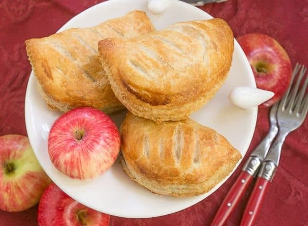 Chaussons aux Pommes |Easy delicious apple turnovers!