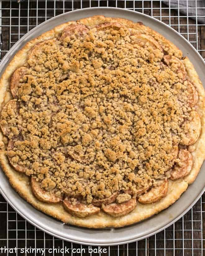 Overhead view of Apple Pie Pizza baked on a pizza pan