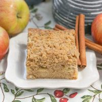 Apple Coffee Cake | Filled with chopped apples, warm spices and topped with a brown sugar and cinnamon streusel from thatskinnychickcanbake.com