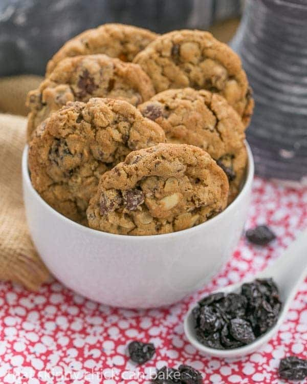 Loaded Oatmeal Cookies |Chewy oatmeal cookies filled with almonds, dried cherries and chocolate