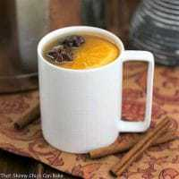 Mulled Apple Cider - Hot cider flavored with vanilla, oranges and warm autumn spices. Perfect for holiday parties, apres ski parties or anytime you need to warm your soul