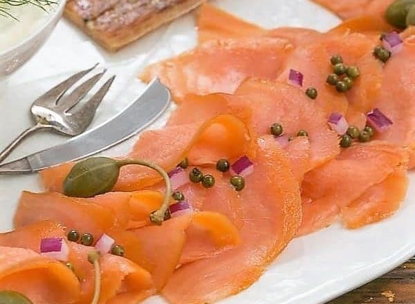 How to Make a Smoked Salmon Platter - An easy , no recipe needed dish to serve for breakfast, lunch or as an appetizer