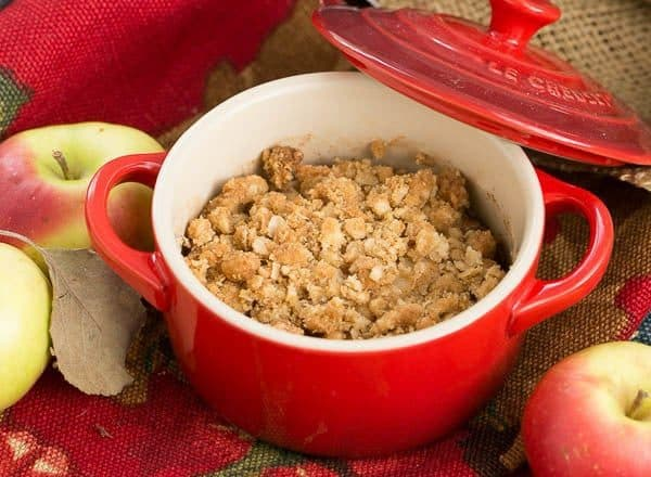 Apple Pear Crisp - A delectable pairing of fruit with an oatmeal crisp topping
