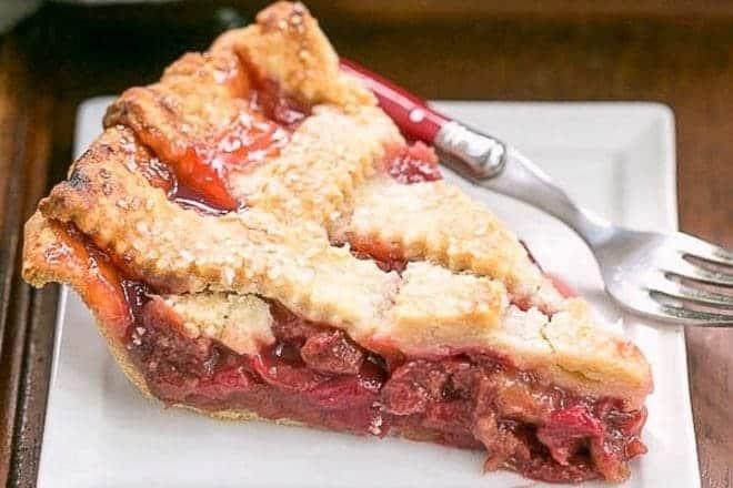 Classic Rhubarb Pie with a beautiful lattice crust and packed full of rhubarb #pie #rhubarb #springdessert #latticecrust