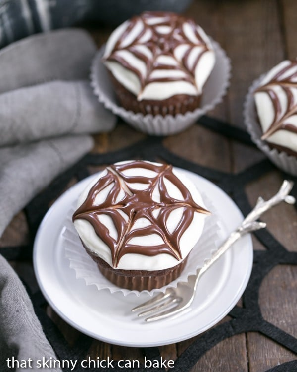 Spiderweb Cupcakes | A simple decorating tip for spooky Halloween cupcakes!