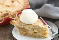 Deep Dish Apple Pie | Packed full of precooked apples makes for a perfect autumnal pie!