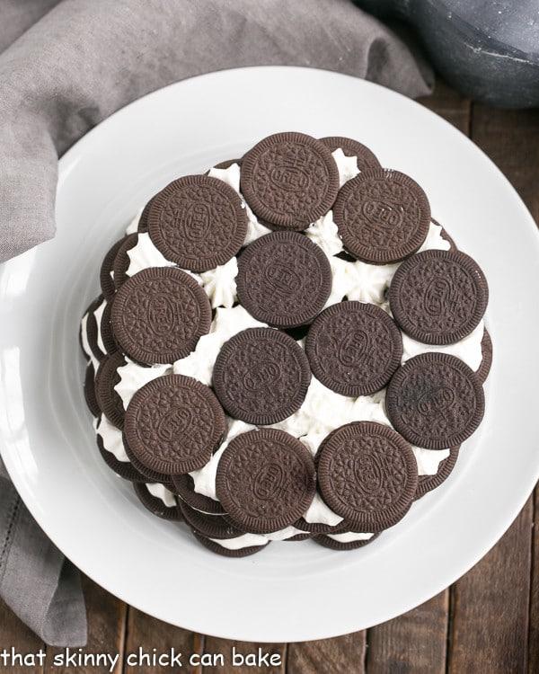 Oreo Icebox Cake | Minimal ingredients and effort to make this marvelous no-bake dessert