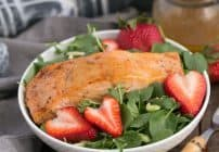 Salmon Watercress Salad with Strawberry Vinaigrette #WondersofWatercress