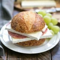 Brie Jam and Salami Sandwich | A quick and scrumptious lunch or snack!