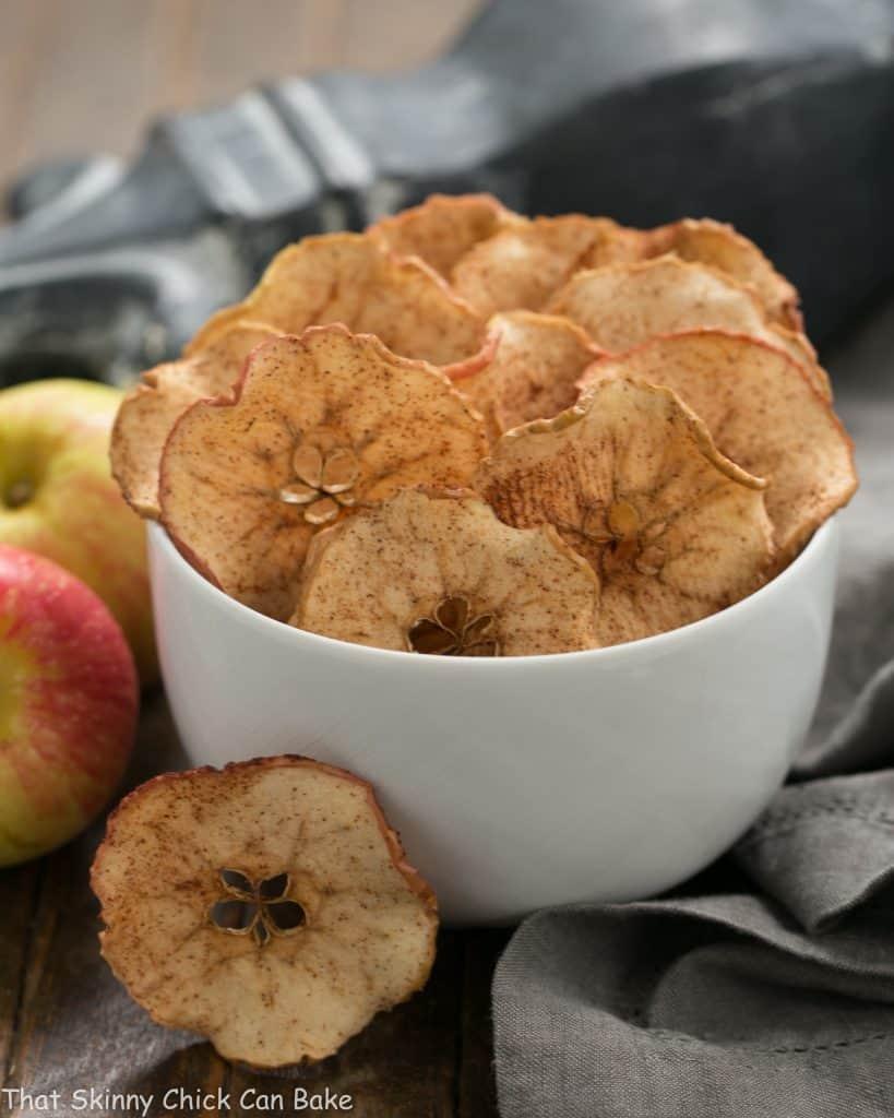 Cinnamon Apple Chips | An irresistible 3-ingredient snack