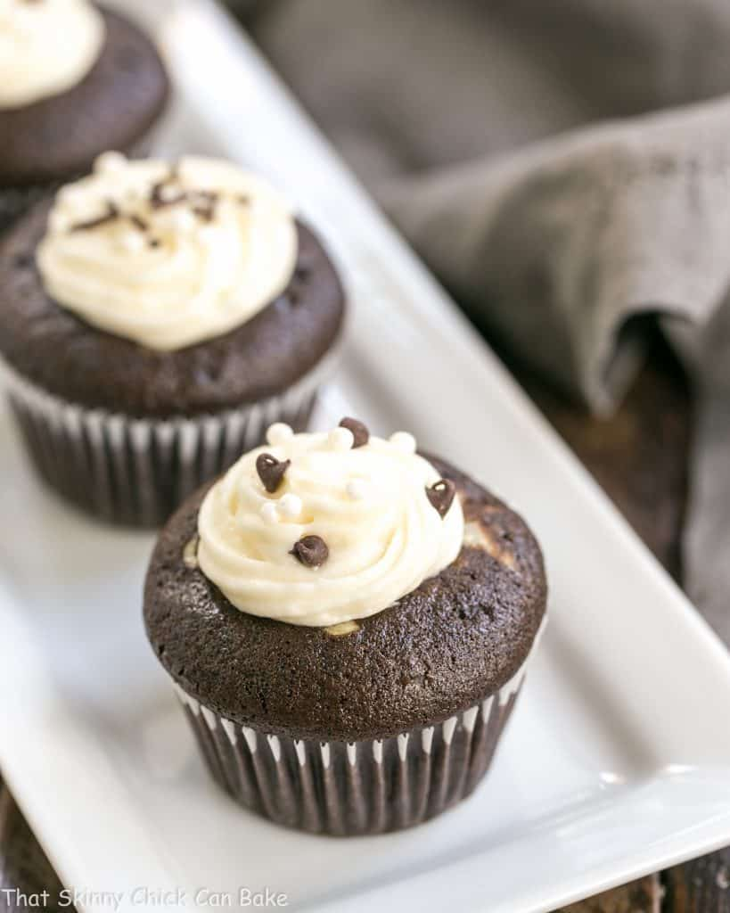 Frosted Black Bottom Cupcakes #Choctoberfest #Giveaway ...