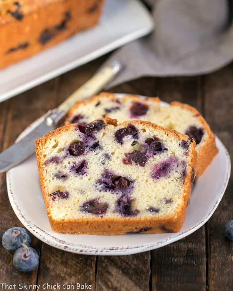 Lemon Blueberry Muffin Bread | A moist, dense, delicious quick bread that tastes like a blueberry muffin