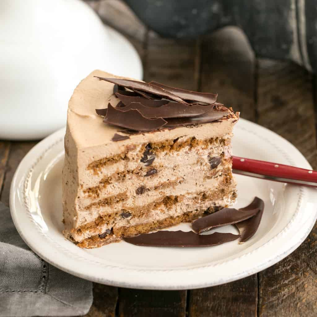 Mocha Chocolate Chip Cookie Icebox Cake | A no-bake dessert that will make you swoon!!