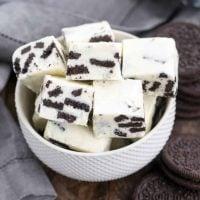 Oreo White Chocolate Fudge   A no-fail fudge with white chocolate and chunks of Oreos!