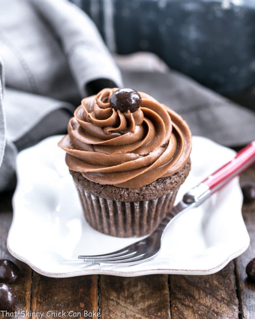 Single frosted chocolate mocha cupcakes