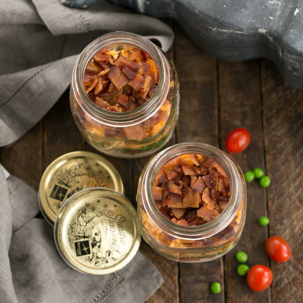 Make Ahead 7-Layer Salads in a Jar - the classic, retro picnic salad you can meal prep